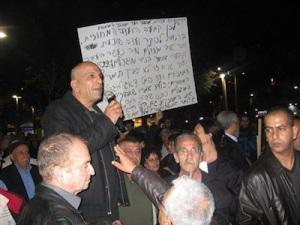 Aharon Maduel, vice chairman of Ir LeKulanu (City for All). In a sense, Khenin's decision is advantageous